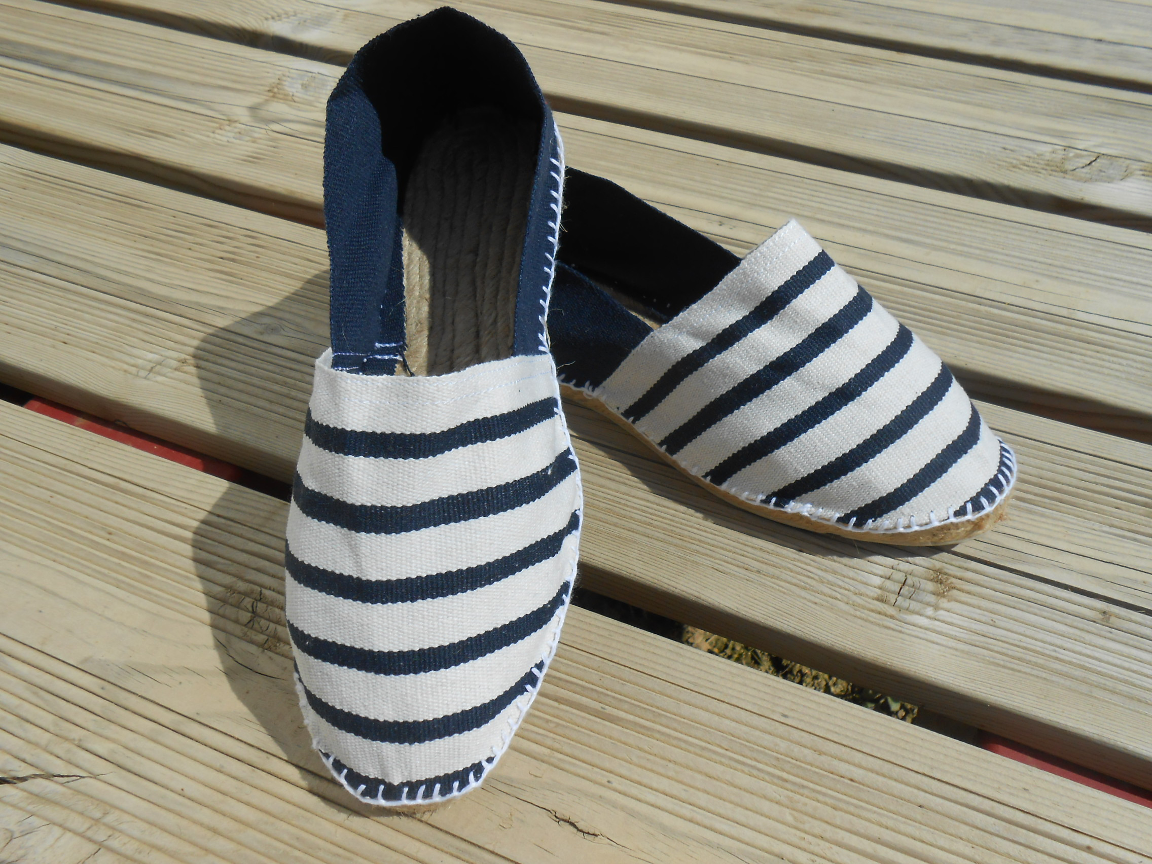 Espadrilles bicolores rayées marines Taille 45