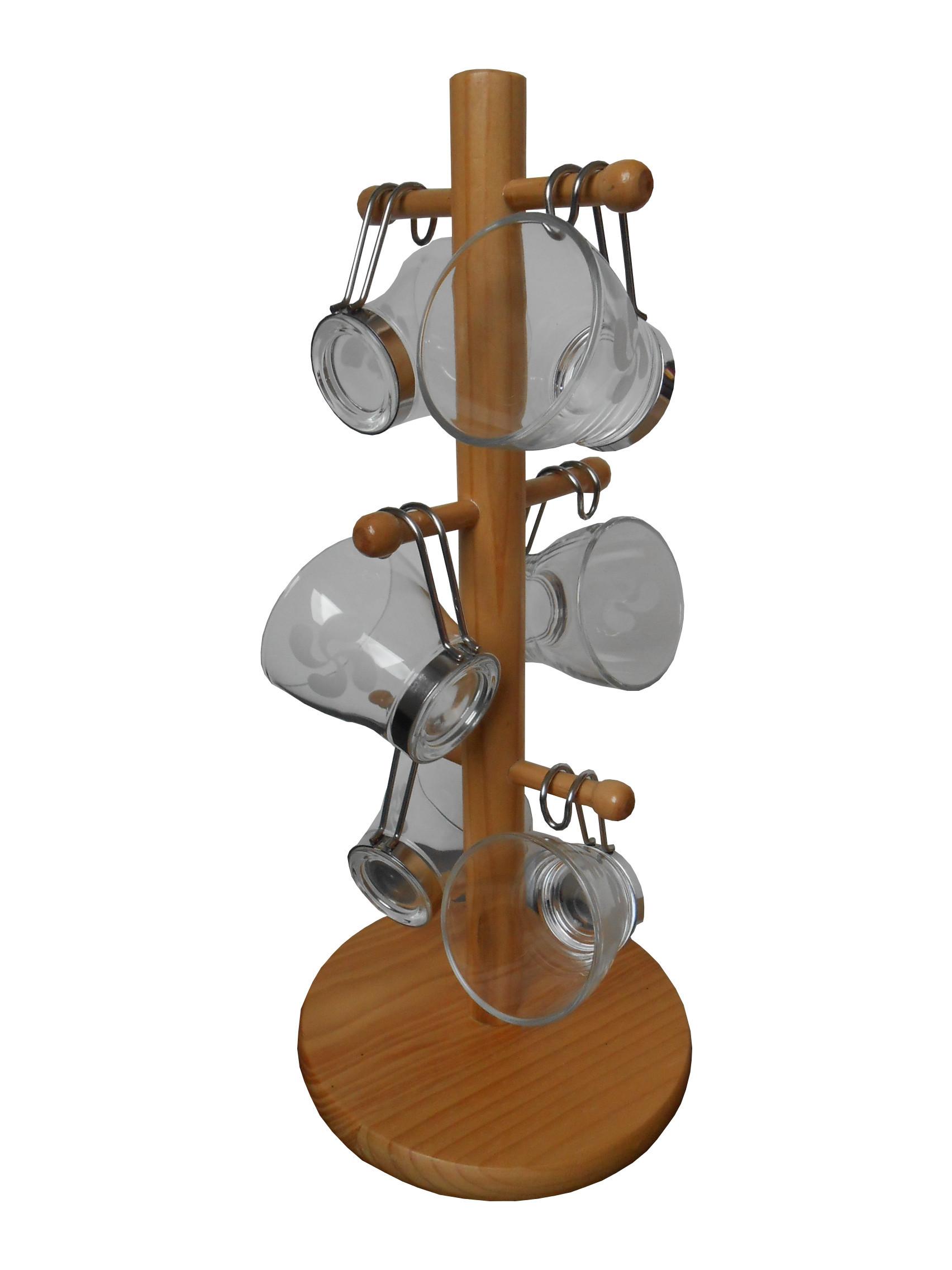 Six tasses à café avec la croix basque gravée sur un présentoir en bois
