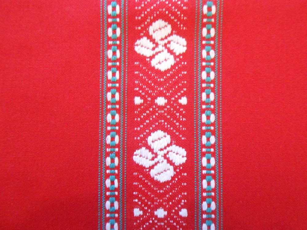 Nappe traditionnelle croix basque rouge ronde 170 cm