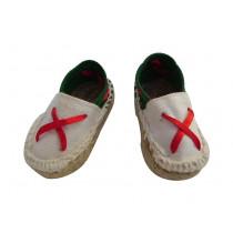 Une paire de mini espadrilles basques